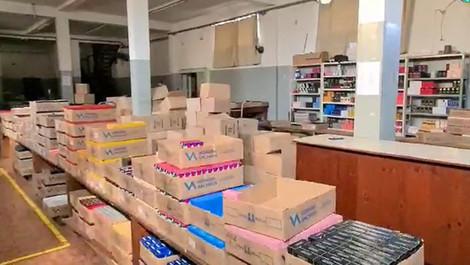 Polícia Civil de Limeira descobre fábrica de perfumes falsificados e detém 27 suspeitos