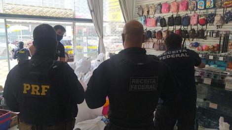 Operação da Receita Federal e PRF apreende quase R$ 5 milhões em mercadorias no centro da capital