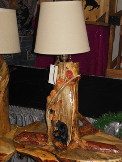 Pine lamp with antlers & Bear