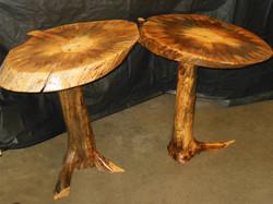 Single Log Pedestal Table