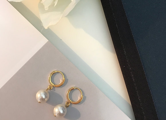 Pearl Drop Gold Earring
