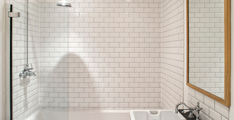 30 banheiros pequenos decorados para você se inspirar