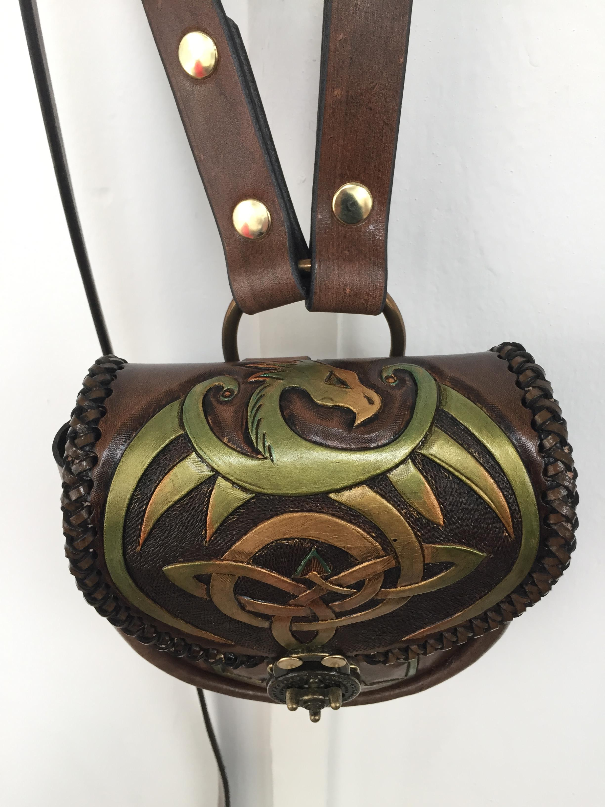 pouch carved strapdragon aengus green