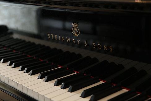 ピアノ教室では最高峰のスタインウェイピアノを設置