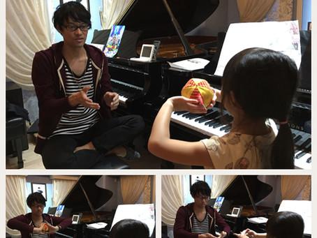 【ピアニスト先生】直伝!手首を柔らか〜く!お家にあるもので脱力の感覚をつかもう。
