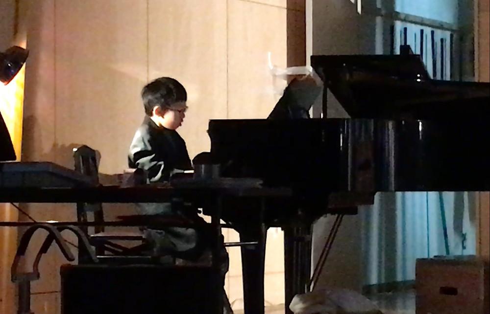 学芸会でのピアノ伴奏に選ばれました