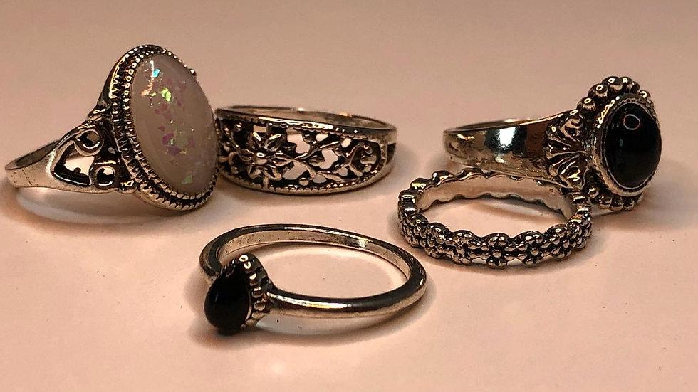 Aesthetic ring set