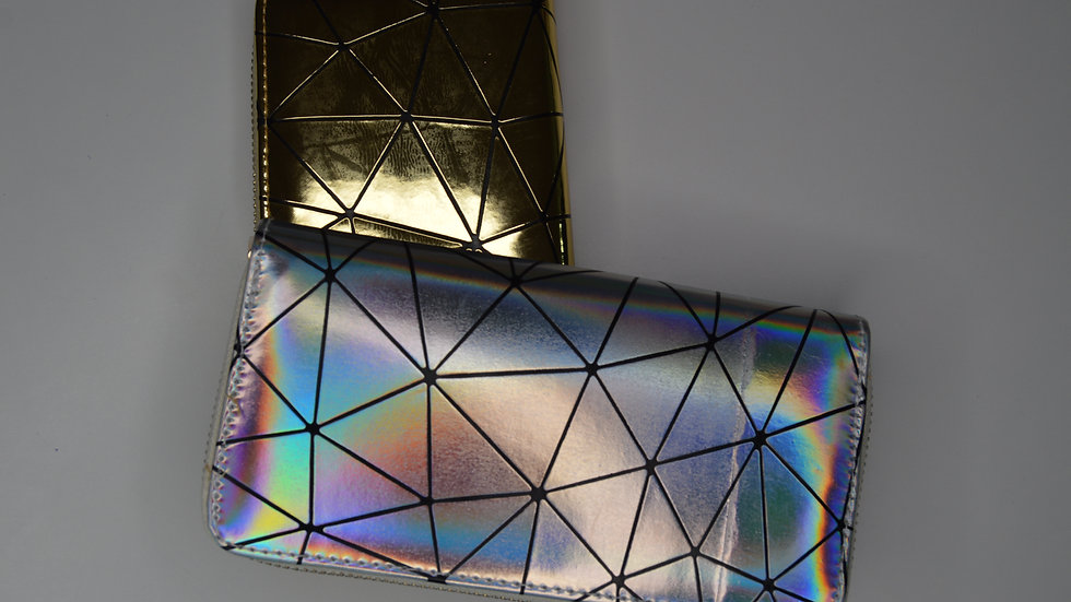 Hologram cracked wallet