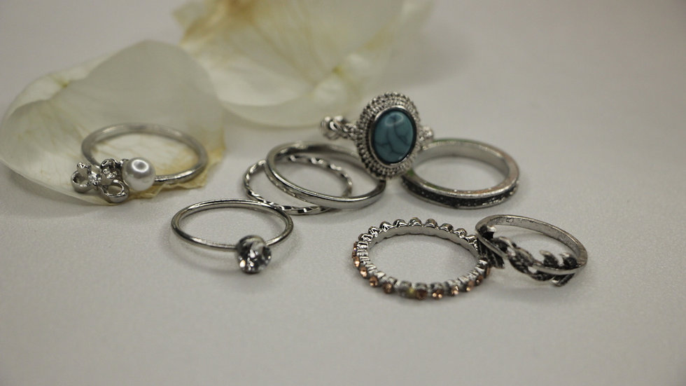 Blue stone ring set
