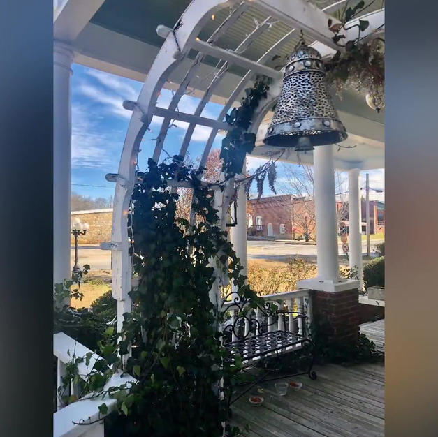 Holiday Tour Of 1898 Historic House