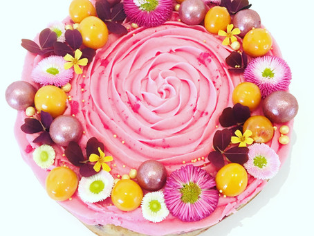 Lakridsblondie med hindbær