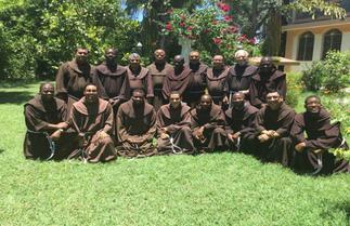 """Visita Canónica a La Fundación """"La Santa Cruz"""" Haití"""