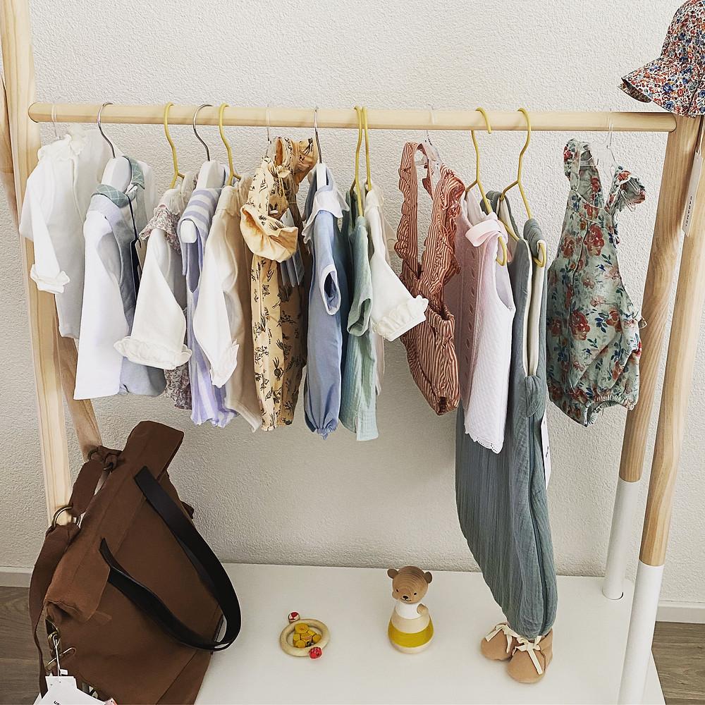 Habits pour bébé et enfants de moins de 3 ans