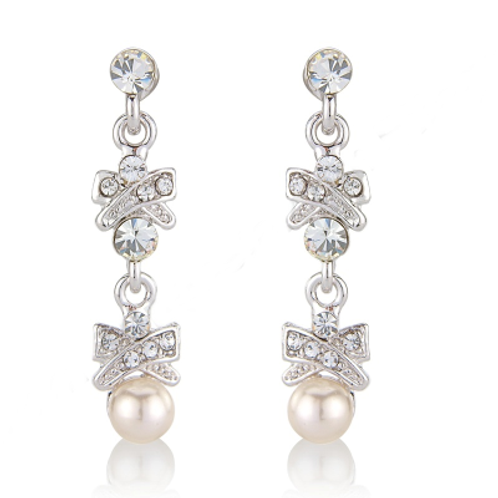 Crystal and Pearl Chic Earrings