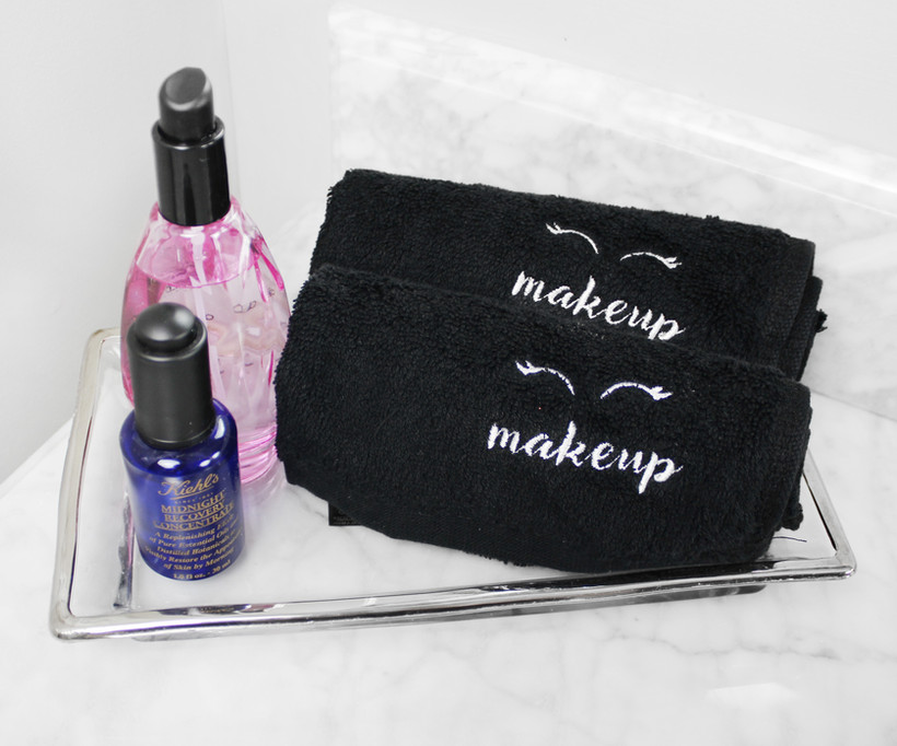 B07HR2BZCM - MakeupCloth-oncounter.jpg