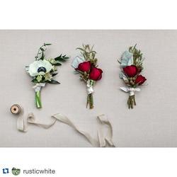 #Repost _rusticwhite ._・・・_Lovely boutonnières by _stylishstemsatl from Lauren & Derrick's #kingplow