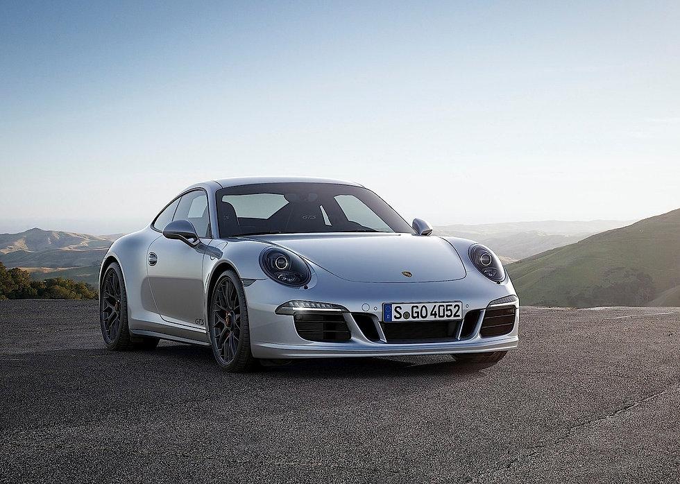 Porsche 911 Carrera 4.jpg