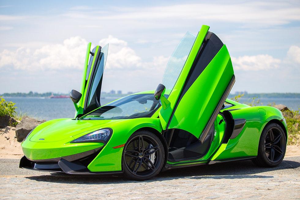 McLaren-570S Coupe.jpg