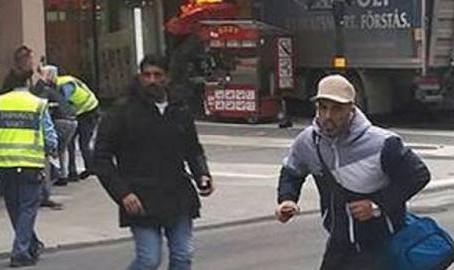 Stockholm: nákladní auto najelo do davu lidí