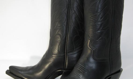 "Black Cow, 2-1/4"" heels."