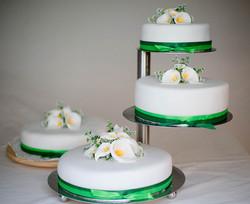 4stöckige Hochzeitstorte weiß, grün