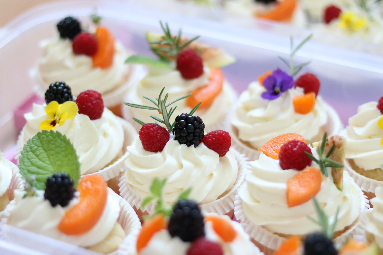 Cupcakes mit Topfentopping