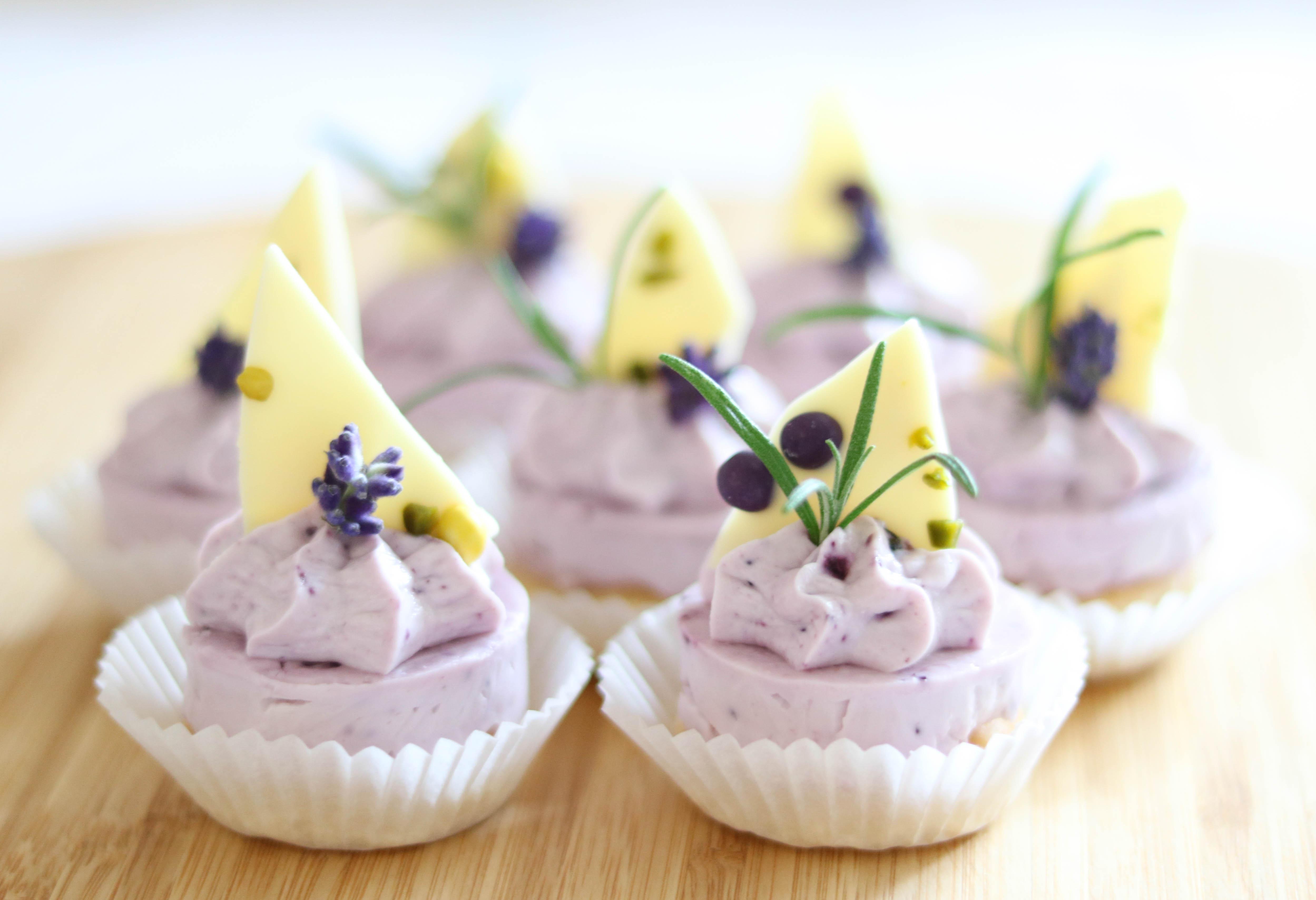 Lavendel Petit Four