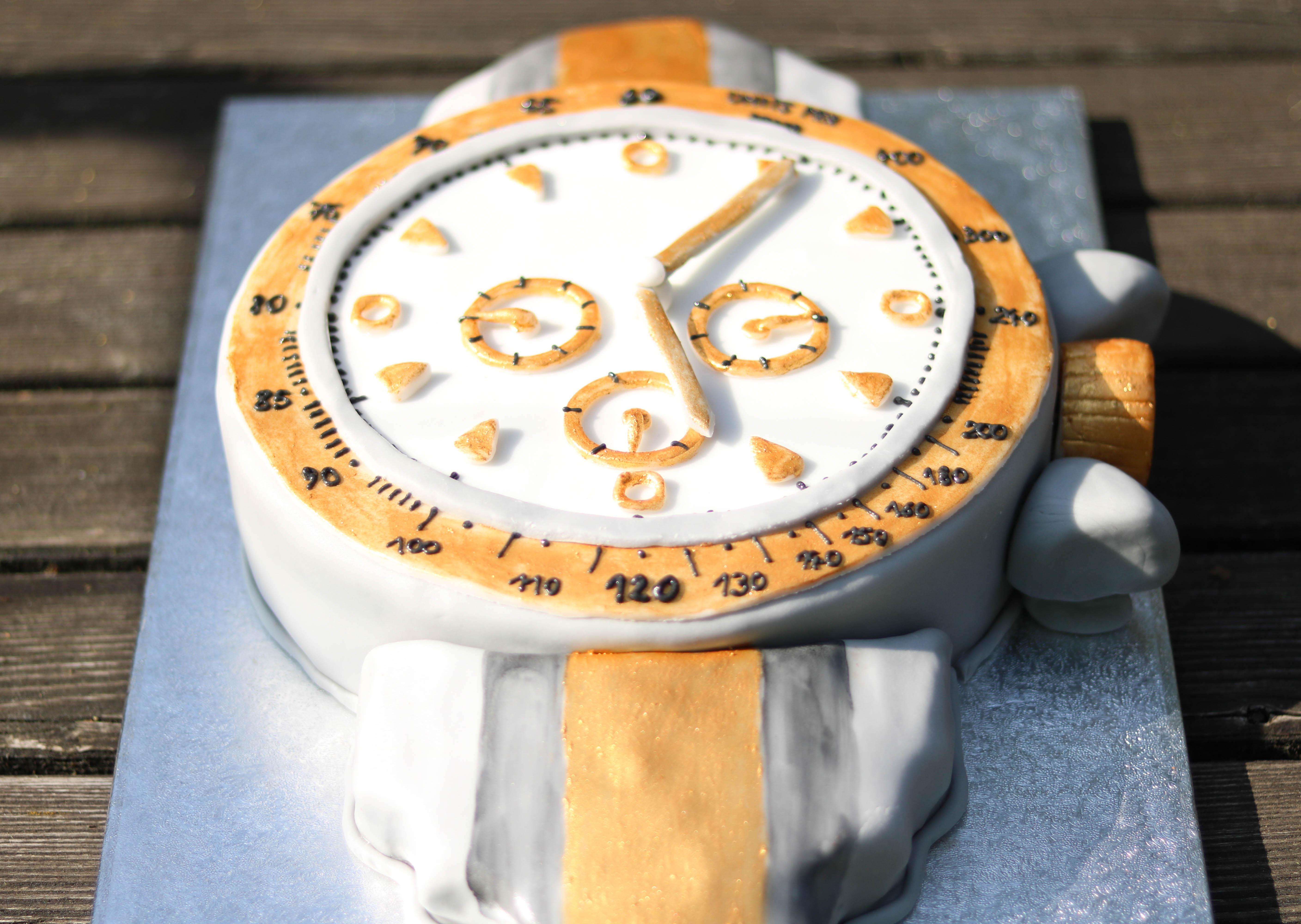 Uhr Torte