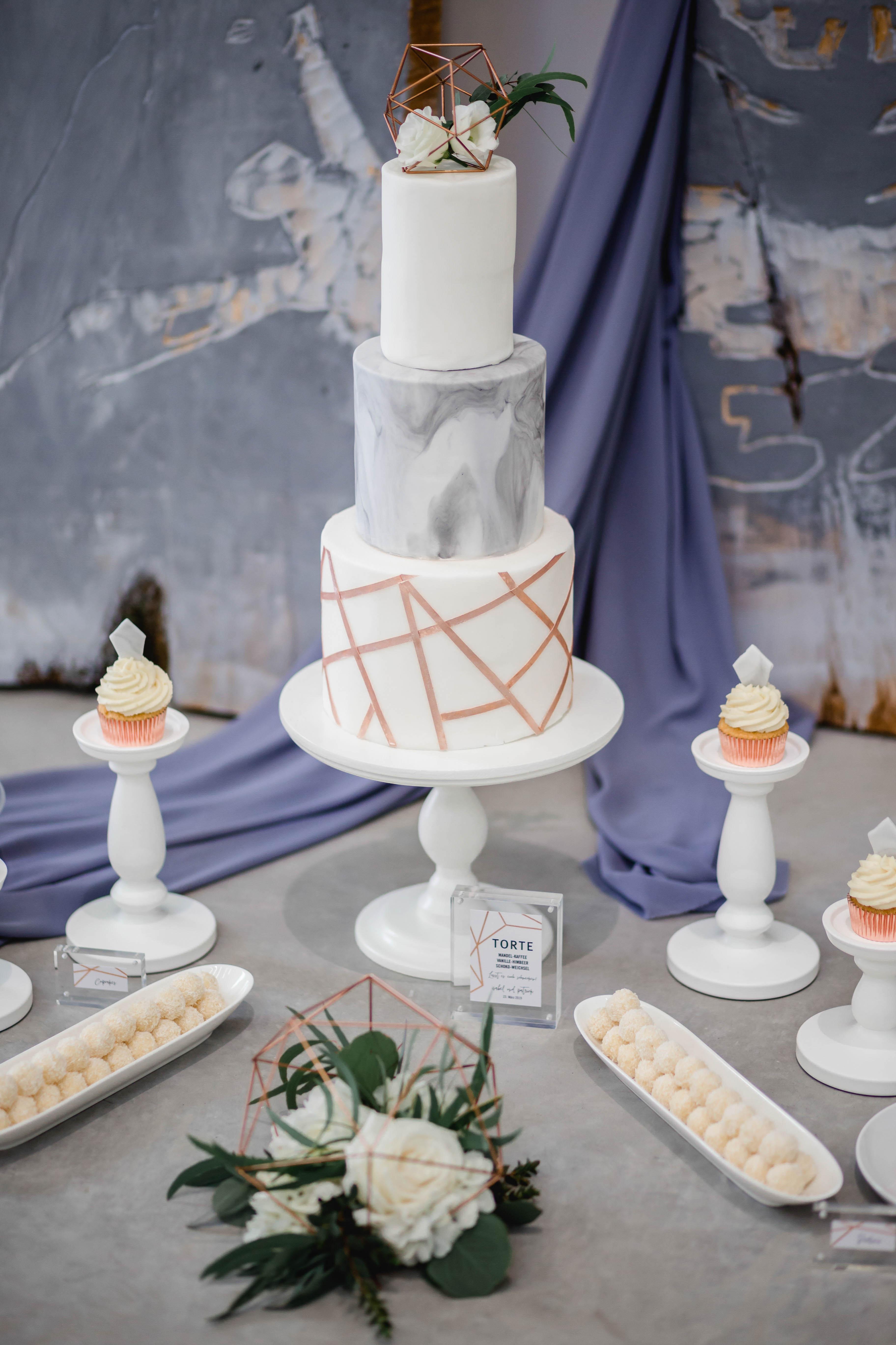 Hochzeitstorte Roségold