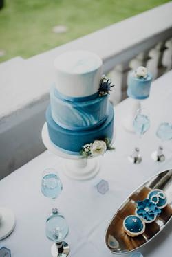 Hochzeitstorte blau