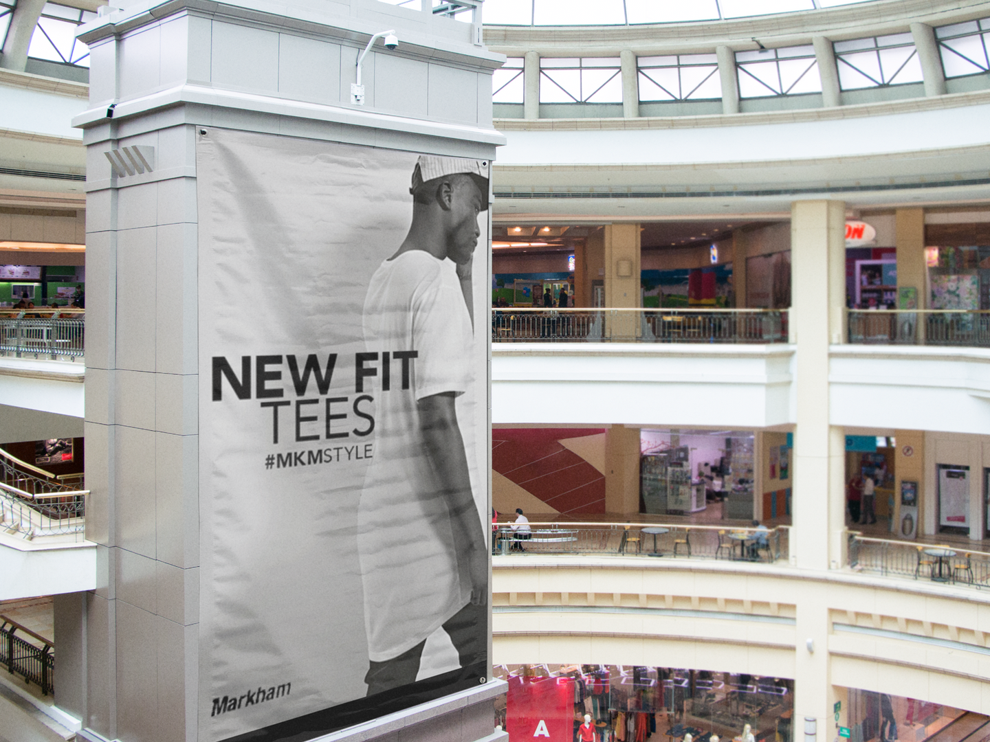 big-vertical-banner-mockup-at-a-shopping