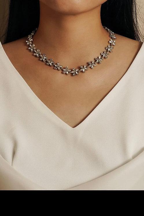 Rhinestone flower necklace