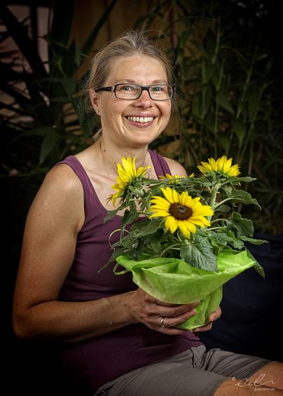 Birgit und ihre Sonnenblume
