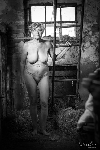 Helga – In the Stables