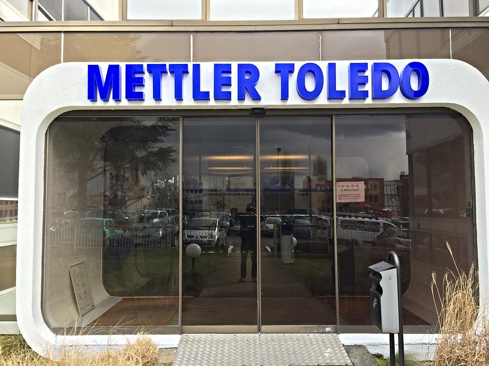 enseigne lettre boitier led mettler toledo_edited