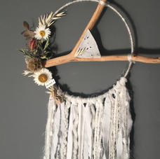 Attrape-rêve bois fleuri gris - diam 20 cm