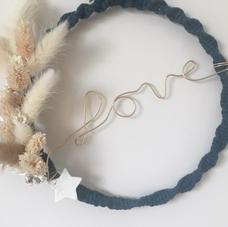 Cercle LOVE doré et bleu canard fleurs séchées (diam 20 cm)
