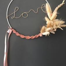 Cercle LOVE rose fleurs séchées (diam 20 cm)