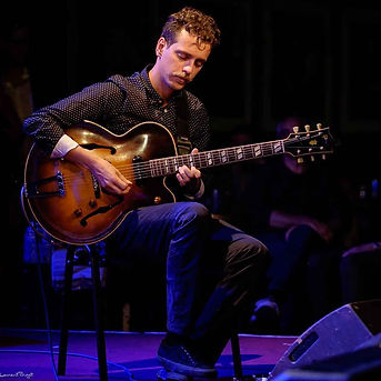 Michael-Valeanu-Jazz-Guitarist-8.jpg