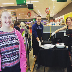 Having a blast down at our sausage sizzle fundraiser at Woolworths in karingal