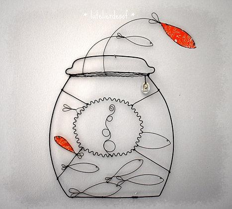 Bocal de poissons rouges en fil de fer