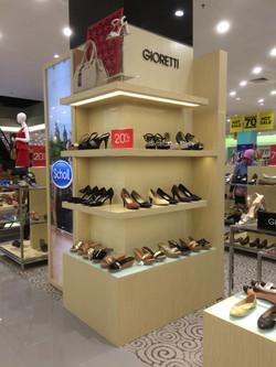 Column Fixture Ladies Shoes