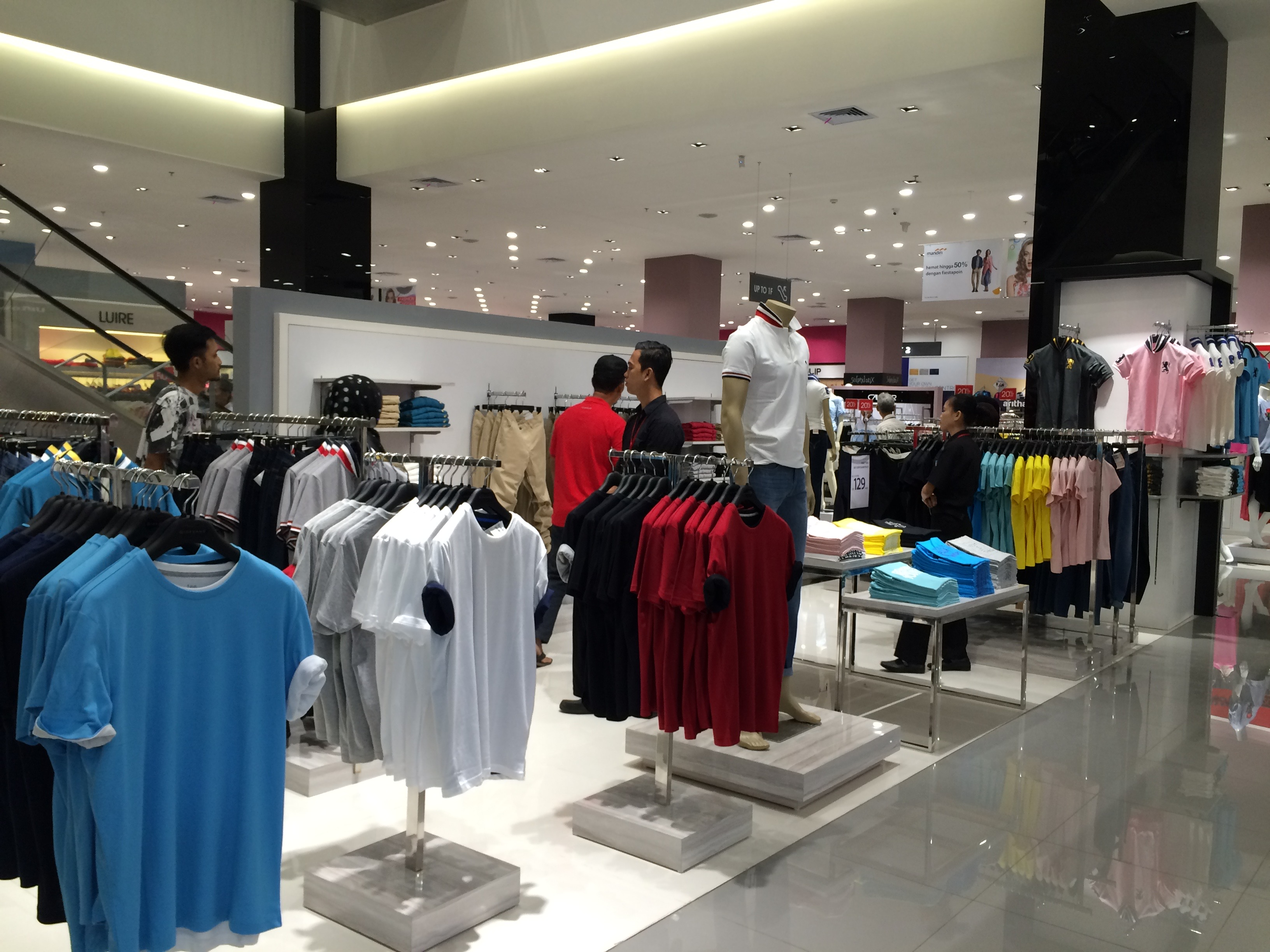 Men Apparel Counter