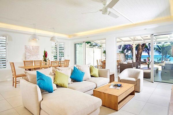 Pereybere luxury beachfront villa lounge