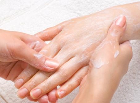 Gommage naturel des ongles