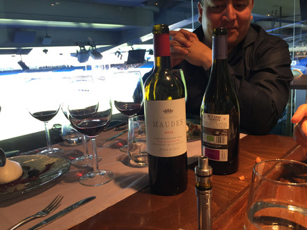 Tasting of Bodegas Hnos. Páramo Arroyo and Bodegas Lezcano Lacalle  in Real Cafe Bernabeu of Madrid.