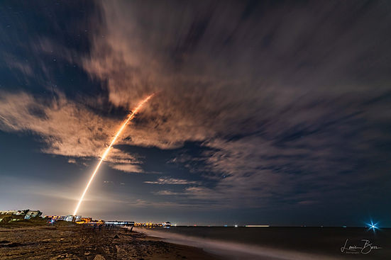 SpaceX Crew Dragon launch (Credit: Louis Barr).jpg