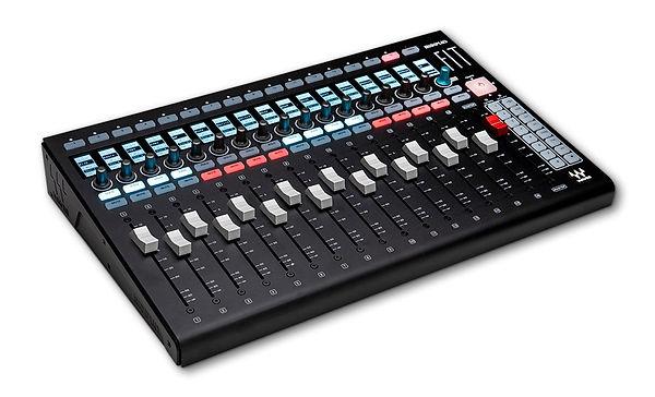 fit-controller-for-emotion-lv1.jpg