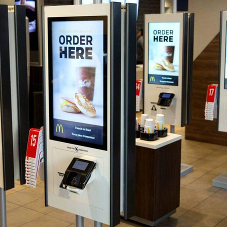 Retail Store Technology: Enhancing the In-Store Experience