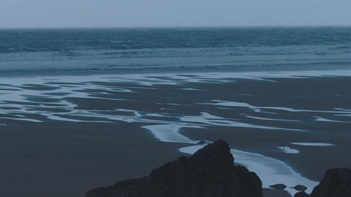 Waves_STILL_2.jpg